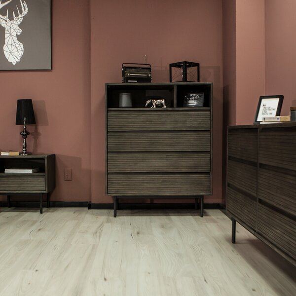 Ean 4 Drawer Chest by Union Rustic