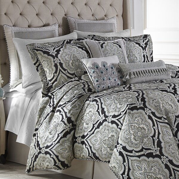 Dianella Comforter Set