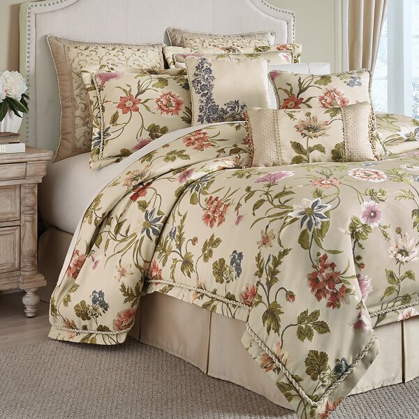 Daphne 4 Piece Comforter Set by Croscill Home Fash
