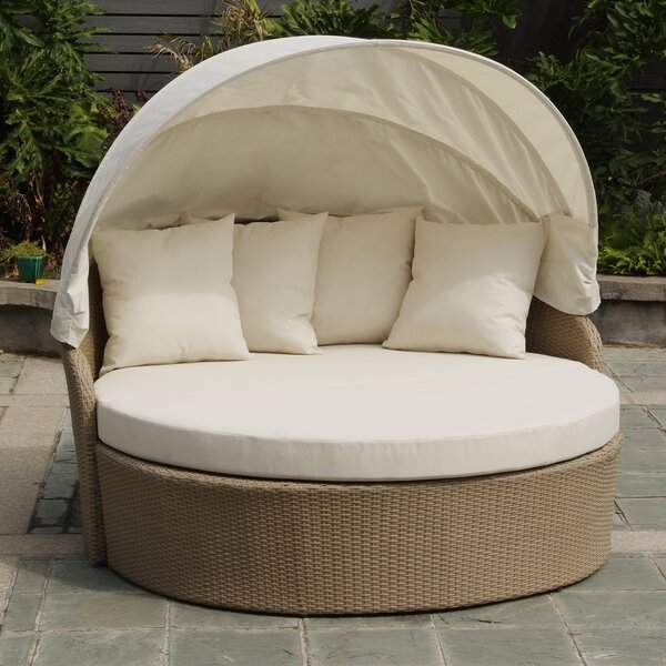 Blueczy Leisure Daybed with Cushions by Best Desu, Inc.