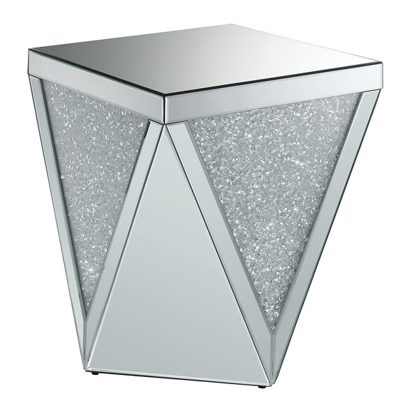 Review Lippa End Table