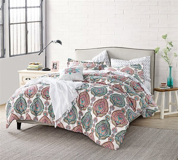 Lynnette Comforter by Bungalow Rose