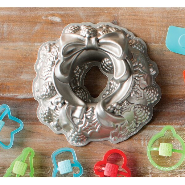 Holiday Wreath Bundt Cake Pan by The Holiday Aisle