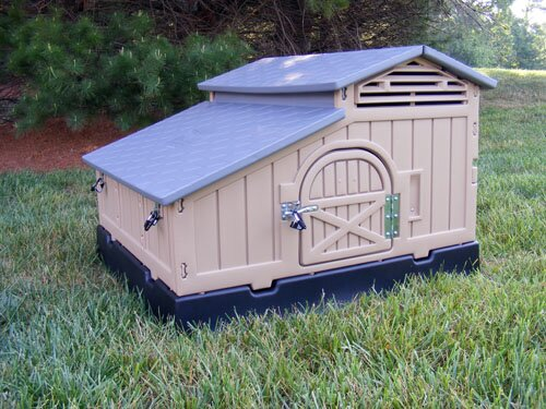 Standard Snap Lock Chicken Coop by Formex