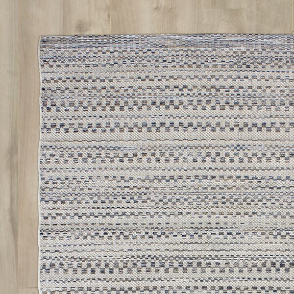Papillion Dark Blue/Ivory Indoor/Outdoor Area Rug by Greyleigh