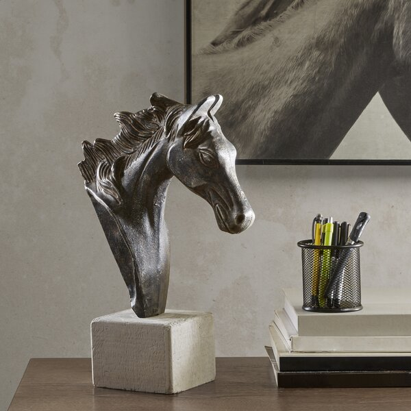 Doxey Horse Bust by Gracie Oaks