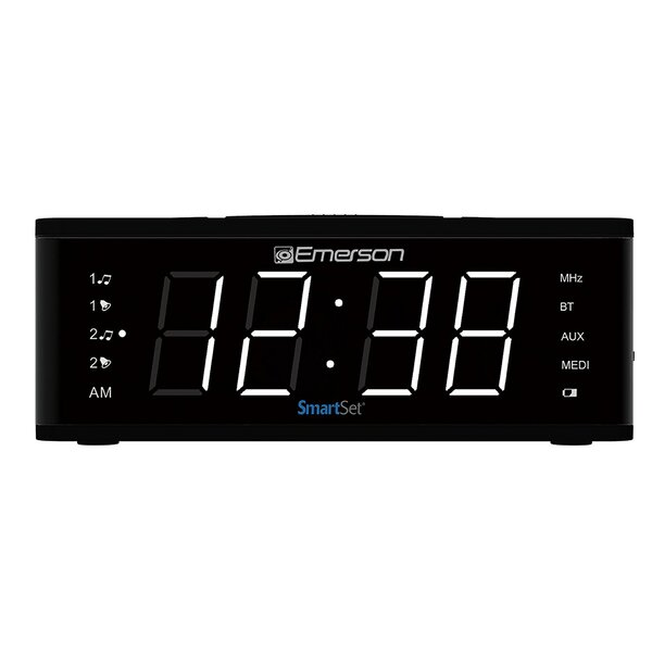 Smart Set Alarm Desktop Clock by Emerson Radio Corp.