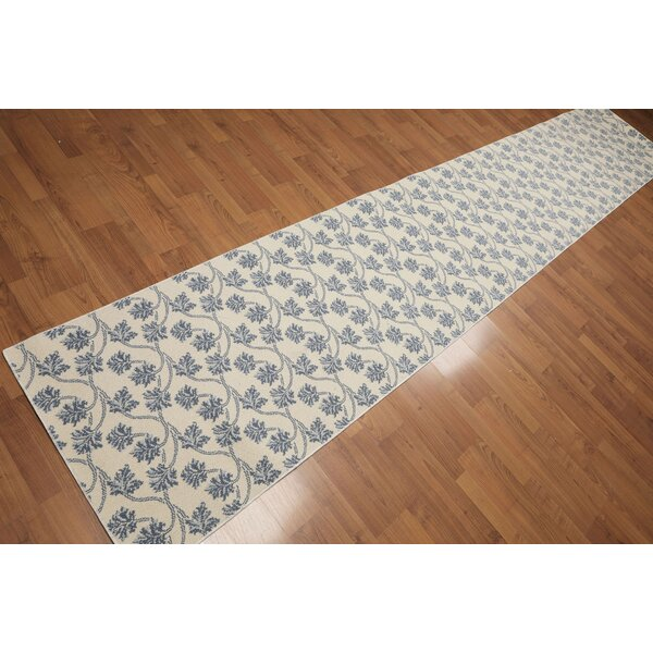 Ilene Transitional Wool Ivory/Blue Area Rug by Darby Home Co