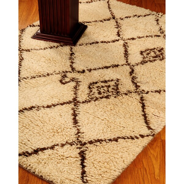 Classic Cream Geometric Area Rug by Natural Area Rugs