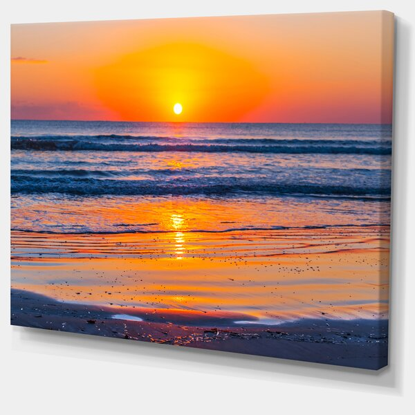 Sandy Sea Beach in Early Morning Large Seashore Photographic Print on Wrapped Canvas by Design Art