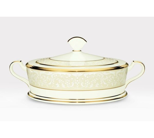 White Palace 64 oz. Covered Vegetable Bowl by Noritake