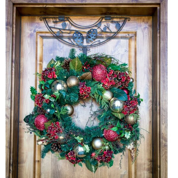 Pinecone Design Adjustable Decorative Christmas 24 Wreath Hanger by The Holiday Aisle