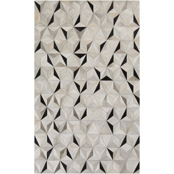 Camilla Charcoal/Gray Area Rug by Ivy Bronx