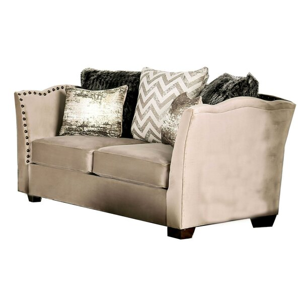 Review Lorn Loveseat