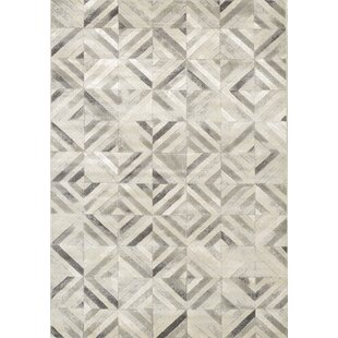 Best Montcalm Diamond Squares Gray/White Area Rug By Orren Ellis