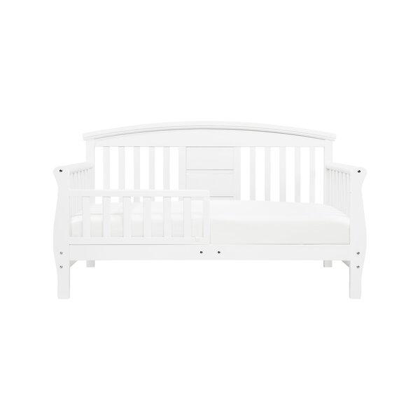 Elizabeth II Convertible Toddler Bed by DaVinci