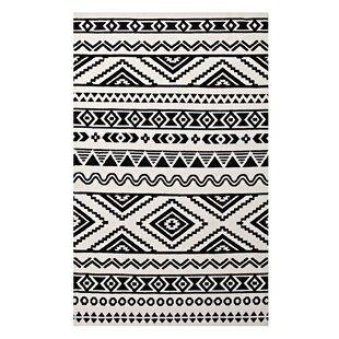 Bargain Freedman Geometric Moroccan Tribal Black/White Area Rug ByIvy Bronx