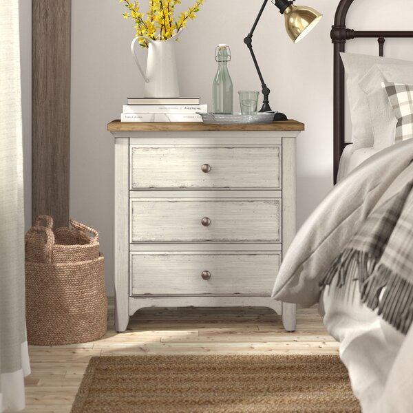 Ellett 3 Drawer Nightstand by Gracie Oaks