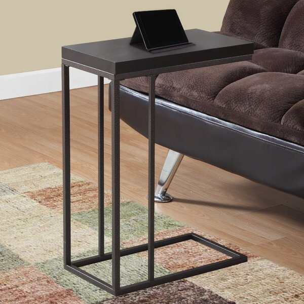 Review Ari End Table