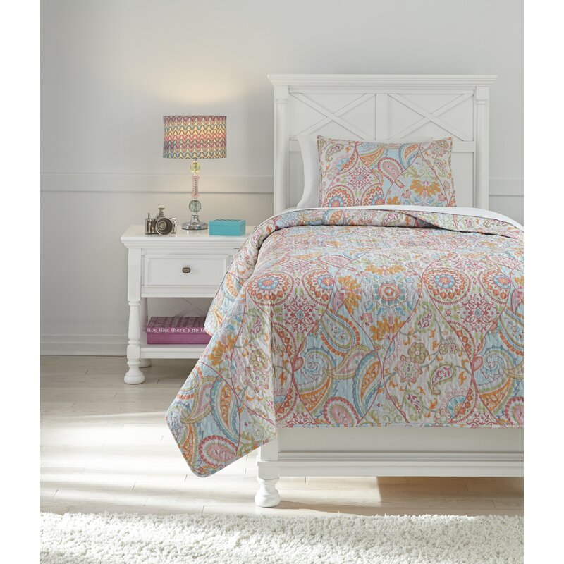 Cheston Quilt Set