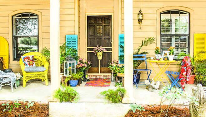 Colorful Outdoor Deck Decorating Ideas: Spring Porch Decorating Ideas