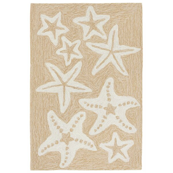 Claycomb Starfish Hand-Tufted Natural Indoor/Outdoor Area Rug by Highland Dunes