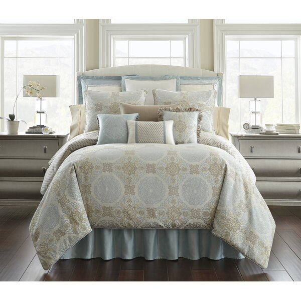 Jonet 3 Piece Reversible Comforter Set