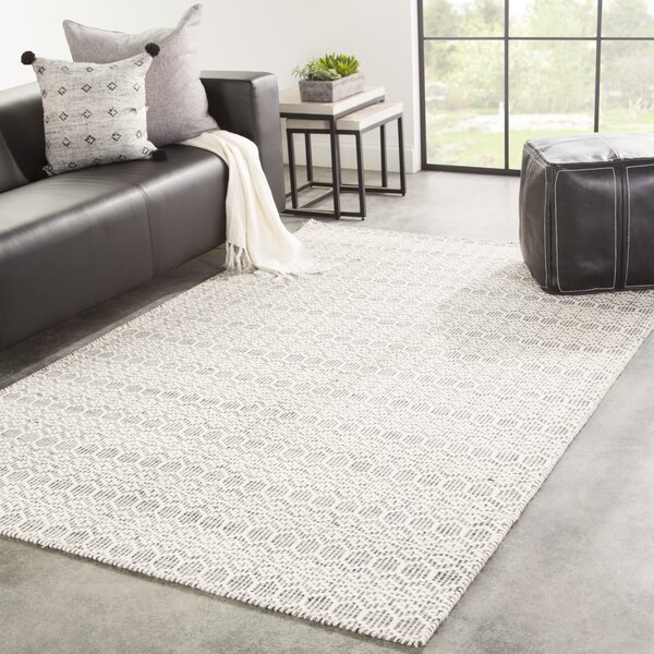 Drake Handwoven Flatweave Wool Beige/Gray Area Rug by Bungalow Rose