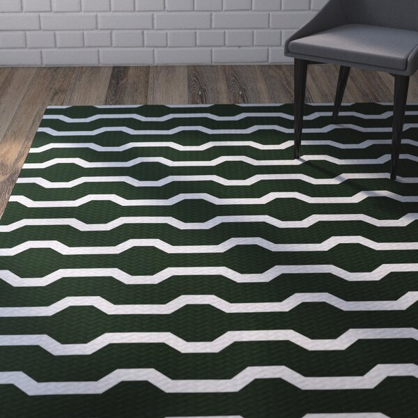 Uresti Decorative Holiday Geometric Print Green Indoor/Outdoor Area Rug by Wrought Studio