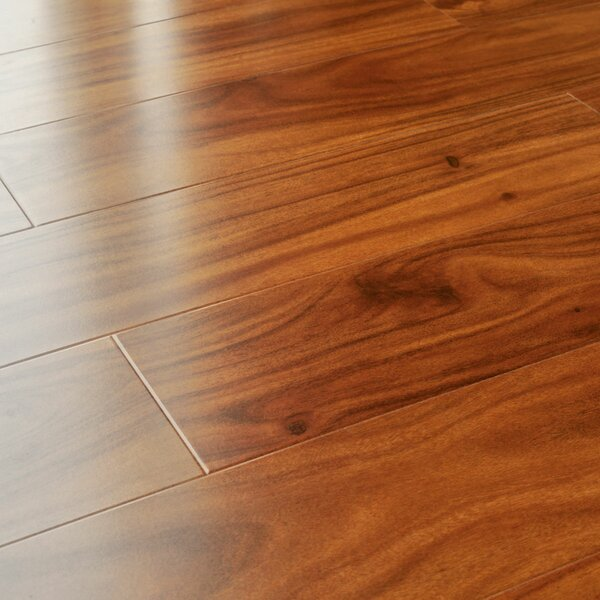 5 x 48 x 12mm Pine Laminate Flooring in American Alder by Kronoswiss