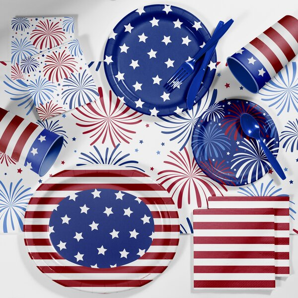 Patriotic Deluxe Tableware Set by Creative Converting