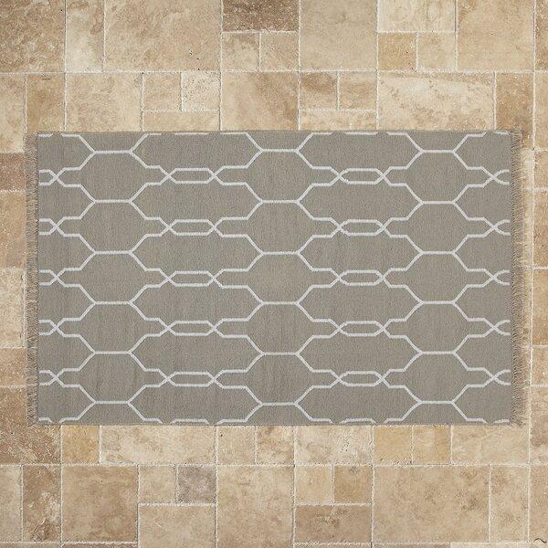 Painesville Geometric Handwoven Flatweave Gray/White Area Rug by House of Hampton House of Hampton