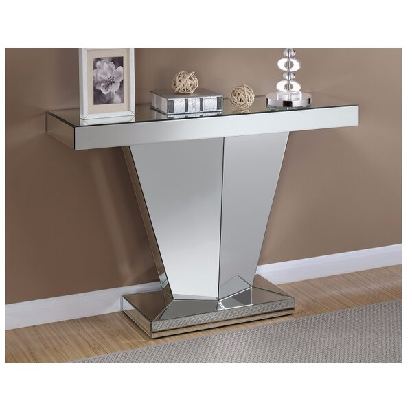 Alrick Console Table by House of Hampton