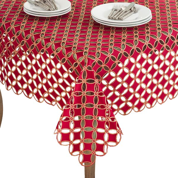 Buche de Noel Tablecloth by Saro
