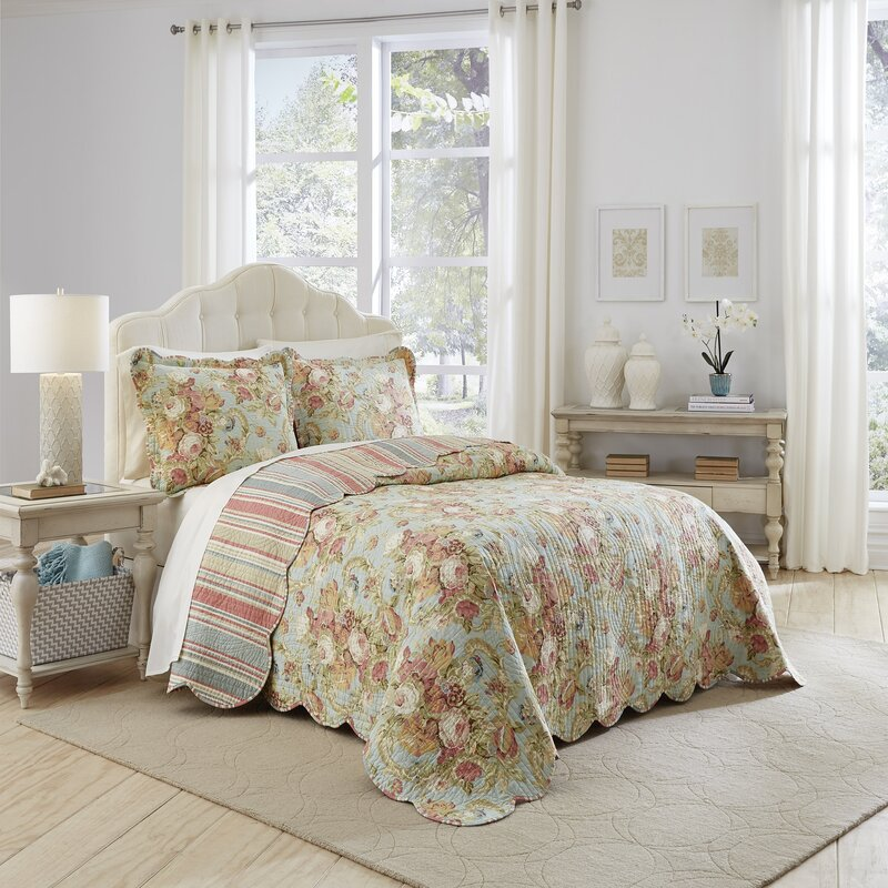 spring bling 3 piece reversible quilt set