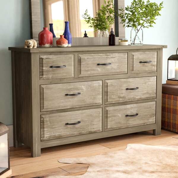 Nixa 7 Drawer Dresser by Foundry Select
