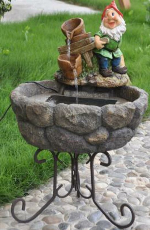 Resin/Metal Solar Farmer Gnome Outdoor Garden Water Fountain