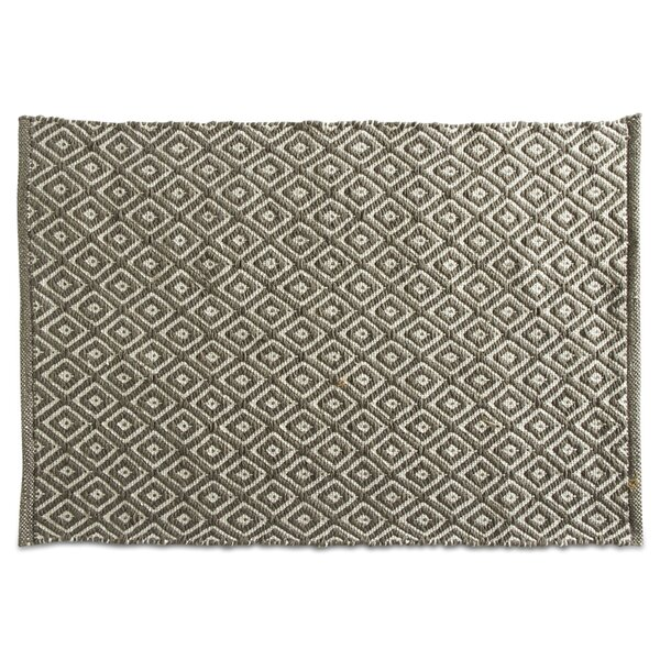 Quartz Hand-Loomed Green Indoor/Outdoor Area Rug by TAG