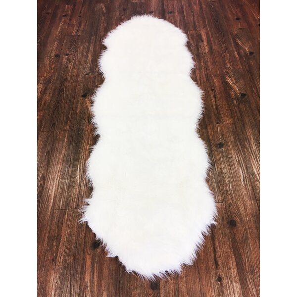 Metinaro Faux Fur White Area Rug by House of Hampton