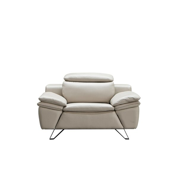 Review Raoul Armchair