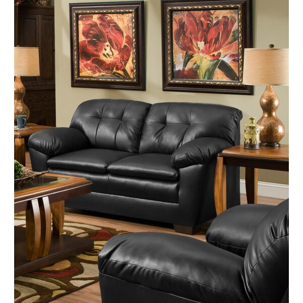 Review Phair Loveseat
