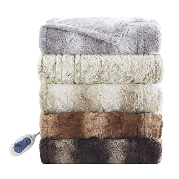 Zuri Oversized Heated Faux Fur Throw by Beautyrest