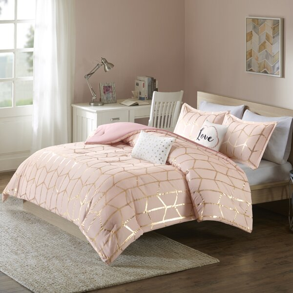Mangesh Comforter Set by Willa Arlo Interiors