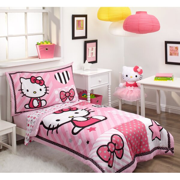 Hello Kitty Sweetheart 4 Piece Toddler Bedding Set by Hello Kitty
