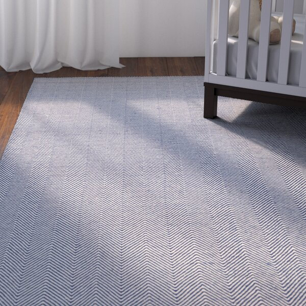 Alonso Hand-Woven Gray/Blue Indoor/Outdoor Chevron Area Rug by Viv + Rae