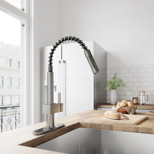 Lincroft Pull Out Single Handle Kitchen Faucet by VIGO