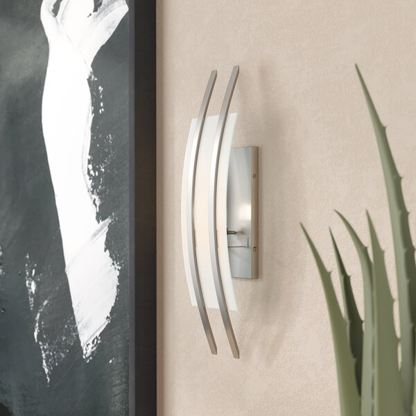 Burnes 1-Light Flush Mount by Latitude Run
