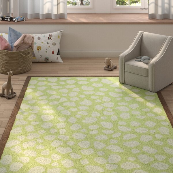 Claro Hand-Hooked Green/Ivory Area Rug by Harriet Bee