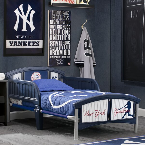 MLB New York Yankees Bed by Delta Children
