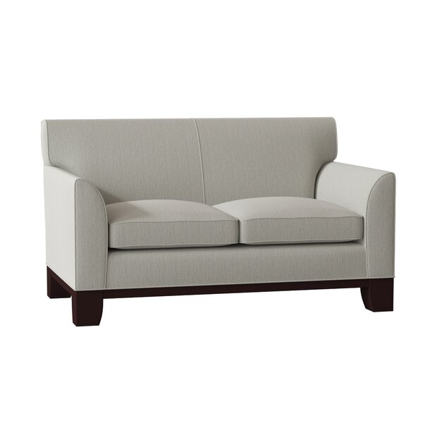Review Breese Loveseat